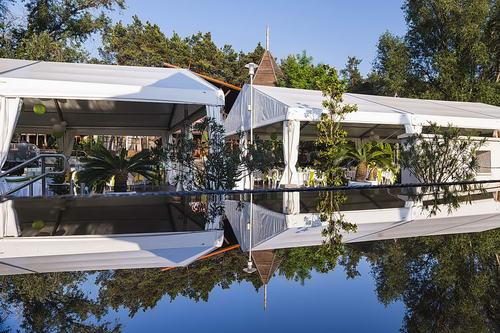 Ten Palm's Pool Bar